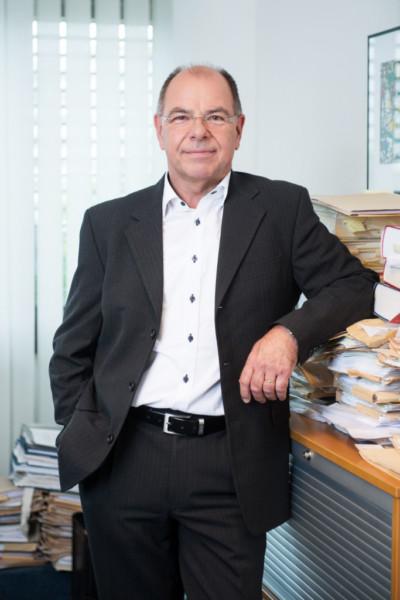 Wolfram Schneider